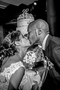 GLE_1642_Glendaly_cake_ReadyToGoPRODUCTIONS com_new York_wedding