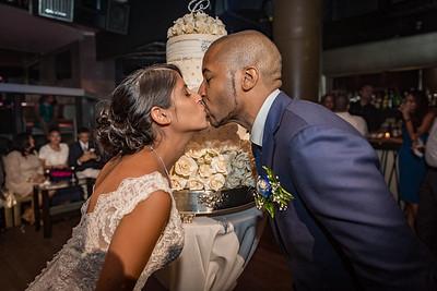 GLE_1641_Glendaly_cake_ReadyToGoPRODUCTIONS com_new York_wedding