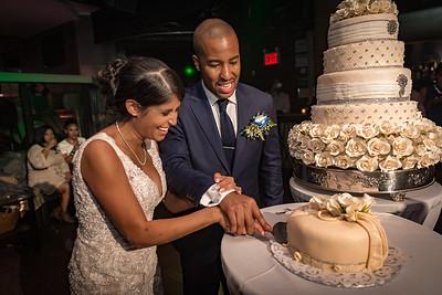 GLE_1614_Glendaly_cake_ReadyToGoPRODUCTIONS com_new York_wedding