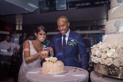 IMG_0837_Glendaly_cake_ReadyToGoPRODUCTIONS com_new York_wedding