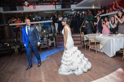 MER_0796_Glendaly_entrances_ReadyToGoPRODUCTIONS com_new York_wedding
