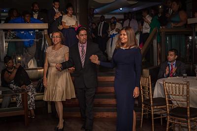 GLE_1323_Glendaly_entrances_ReadyToGoPRODUCTIONS com_new York_wedding