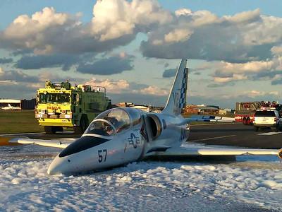Airplane Crash - Jet Crash Landing, Sikorsky Memorial Airport, Stratford, CT - 10/20/18