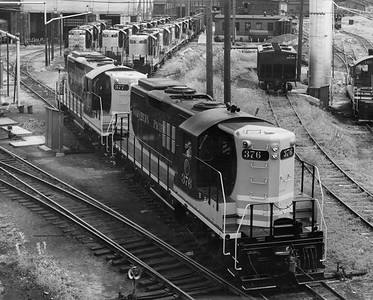 2009.002.012--glenn guerra collection 8x10 print [Russell Schweizer]--NP--company PR photo of new EMD diesel locomotive 376 at locomotive facility--location unknown--1960 0000
