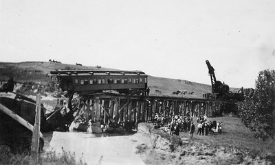 2011.008.PW.04--glenn guerra collection print--C&NW--wreck scene at Cottonwood Creek--9 mikes west of Chadron NE--c1916 0000