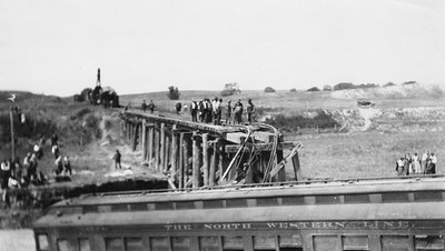 2011.008.PW.05--glenn guerra collection print--C&NW--wreck scene at Cottonwood Creek--9 mikes west of Chadron NE--c1916 0000