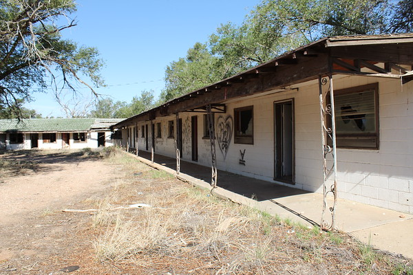 Texas Longhorn Motel (2020)