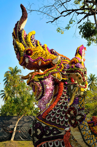 The intricate and meticulous flower designs that make up the patterns and details on some of the floats are mind-boggling.