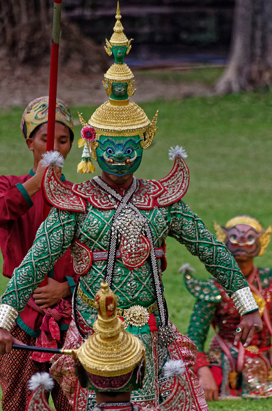Ravana (Tosakan in the Thai version), ruler of the island of Lanka and archenemy of Rama
