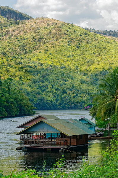Floating restaurants on the river. There are also floating hotel accommodations in the area.