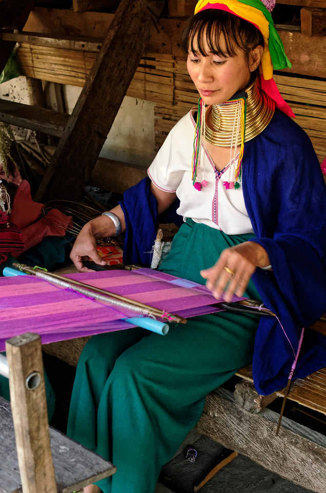 Another Paduang woman working her loom