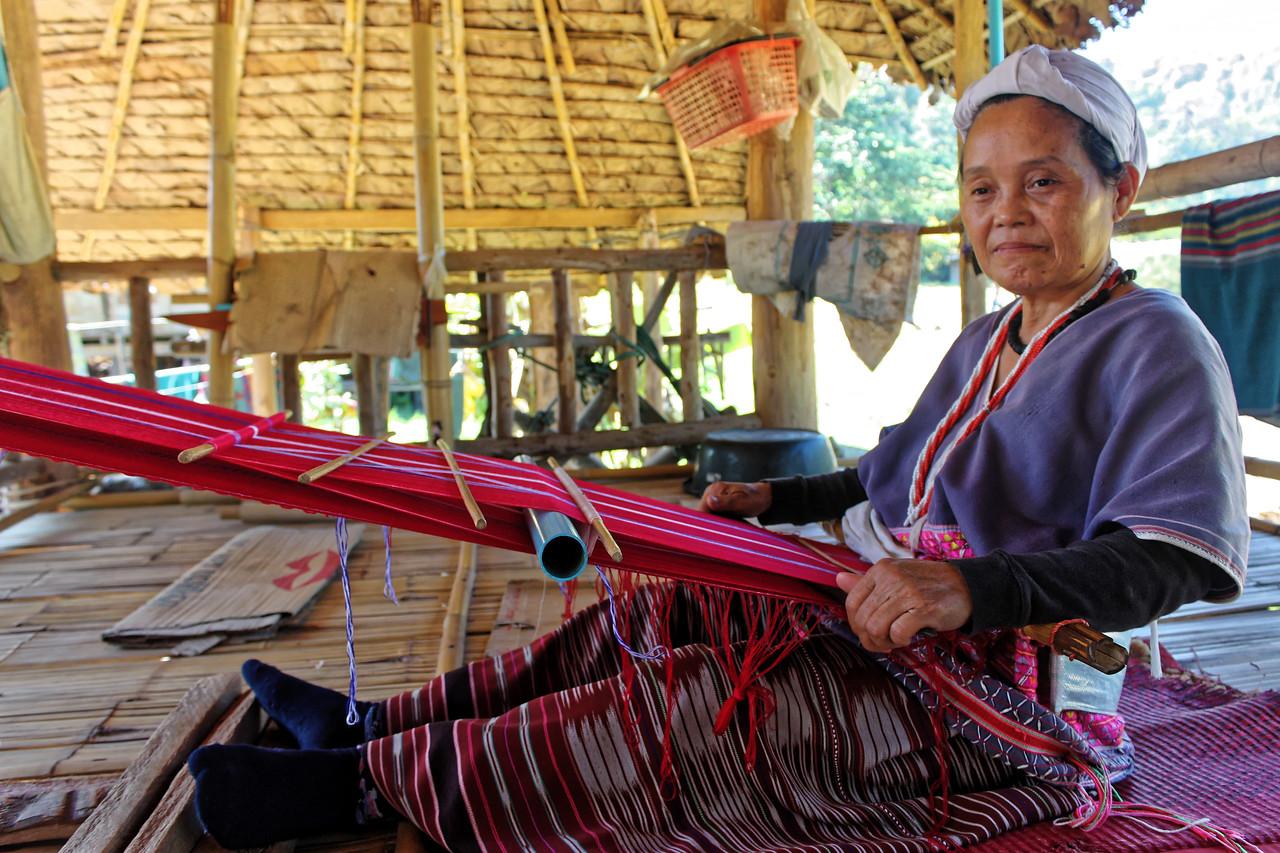 Karen Por woman at her backstrap loom