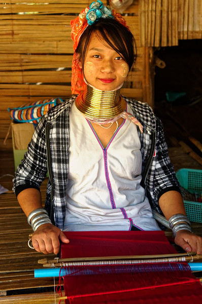 Paduang woman, Mae Sa Valley, with loom