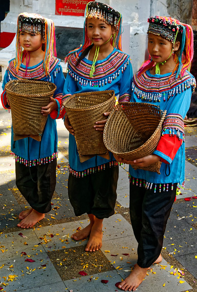 Hmong girls performing at Doi Suthep