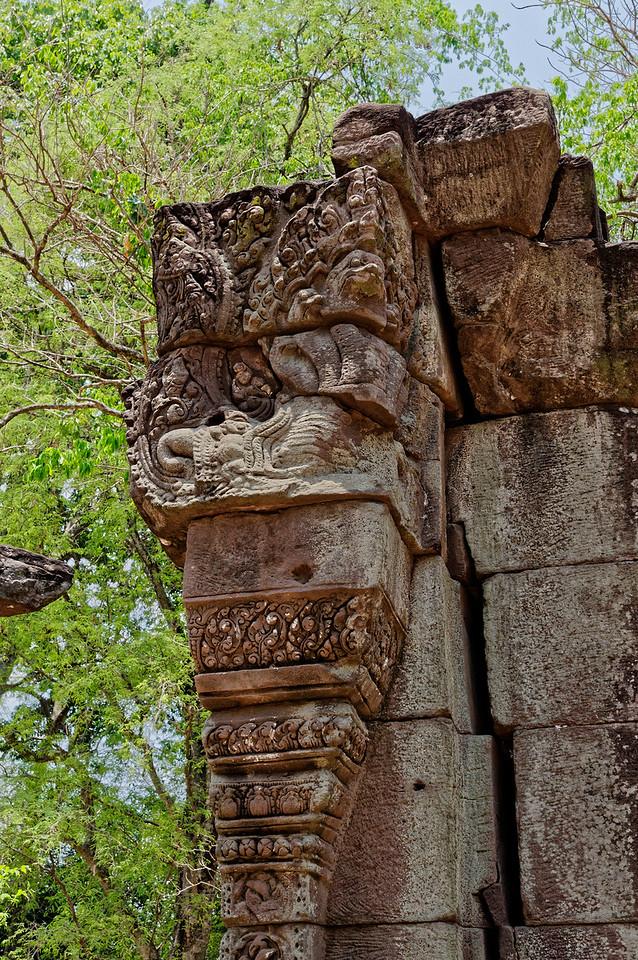 Detail of a column at Ta Leng