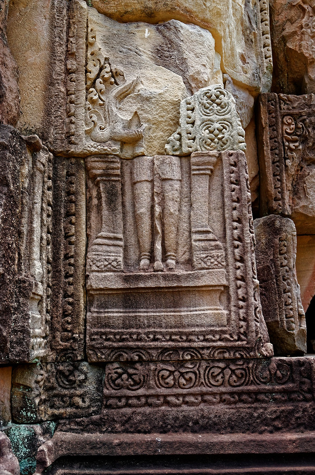 Carved detail at Ta Muean Thom, very likely vandalized
