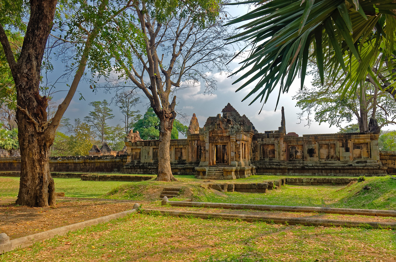Following Khmer-temple tradition, the temple was oriented facing east.