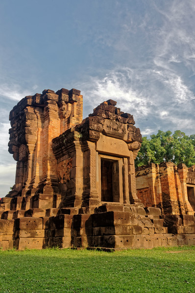 A small <i>mandapa</i> or entry pavilion was attached to the central sanctuary tower, as seen here. The tower itself has been largely reconstructed with new brickwork, as have the other current temple structures.