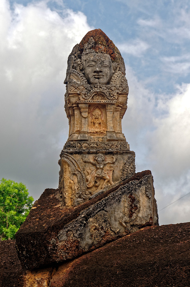 Another side of the monument that sits above the entrance to the temple