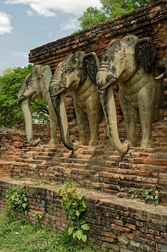 Wat Sorasak <i>chedi</i> detail