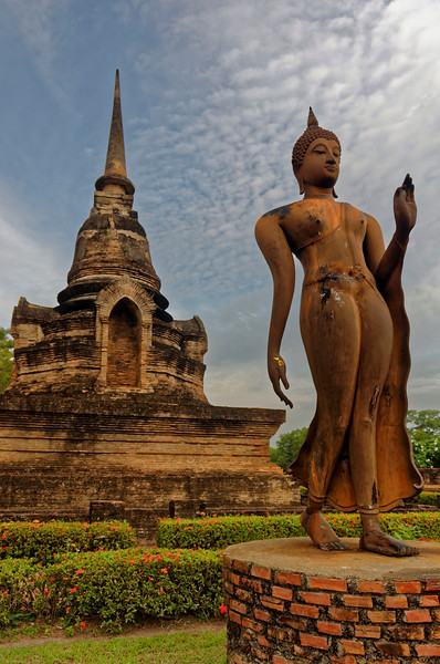 Wat Sa Si's Walking Buddha is an excellent example of the Buddha type that originated in Sukhothai, its flowing lines among its hallmarks.