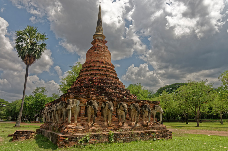 The remains of the 'chedi' at Wat Sorasak