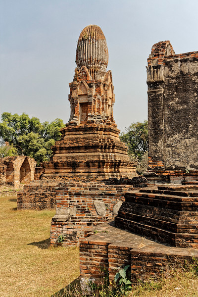 One of several <i>chedi,</i> or stupas, within the temple grounds