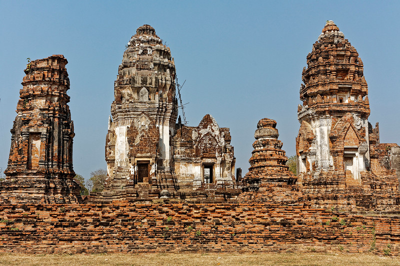 A view of the central portion of the temple, with the principal <i>prang,</i> or tower, and its entry pavilion seen in the center of the photo.