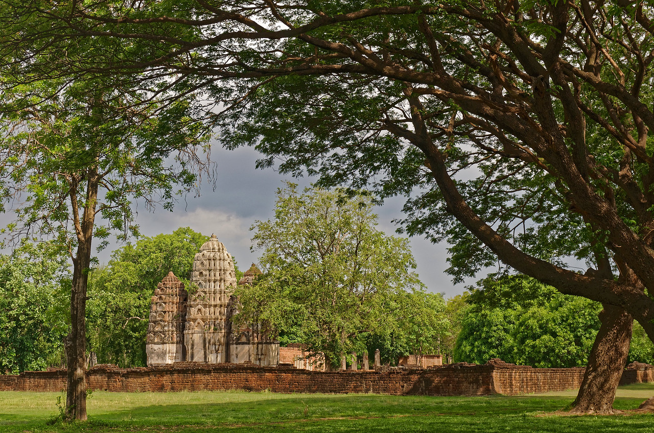 Wat Si Sawai, Sukhothai, viewed from the west