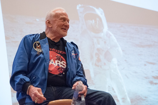 Interactive Q&A Experience with Astronaut Buzz Aldrin