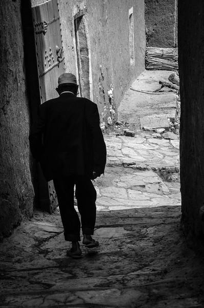 Mouad walking through Aït-Ben-Haddou Kasbah