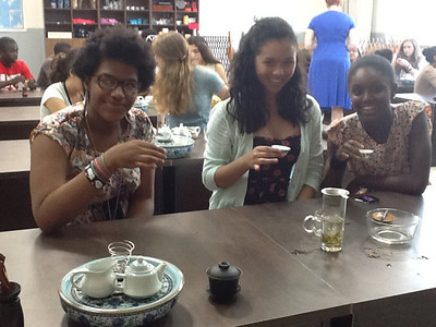 Jasmine Randle '15, Brittany Bing '15, and Taylor John '16 at Chinese Tea Ceremony class
