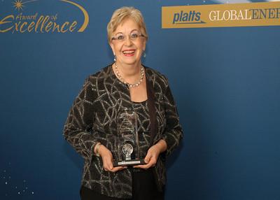 Betsy Moler, Former Executive Vice President of Exelon Corporation, accepts the 2010 Lifetime Achievement Award.
