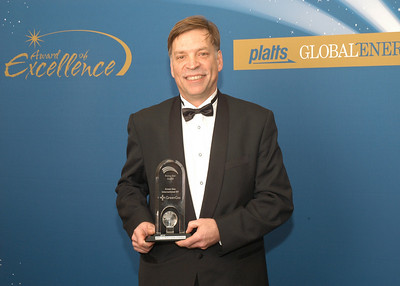 Chris Norval, CEO of Green Gas International BV, accepts the 2010 Rising Star Award.