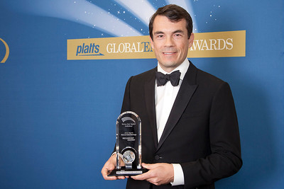 Recurrent Energy's CEO, Arno Harris, accepts the 2011 Rising Star Award - Individual.
