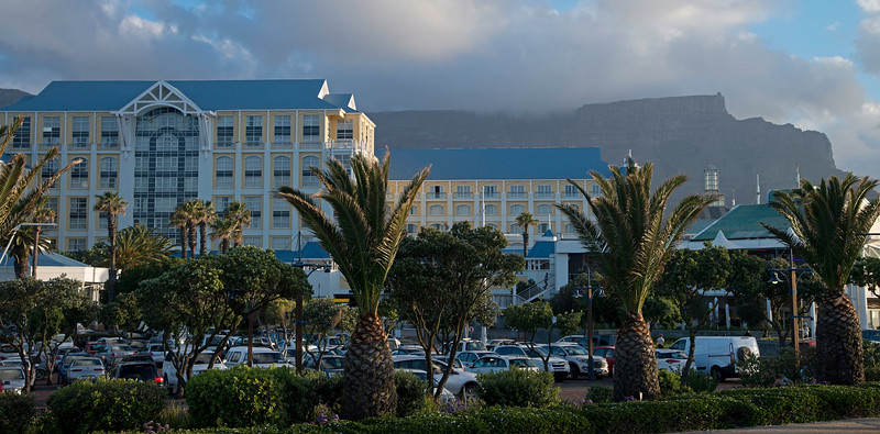 Cape Town: View of Table Bay Hotel and Table Mountain in the Background