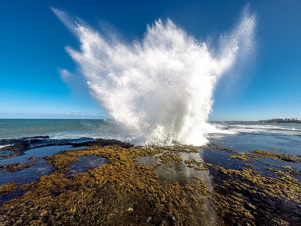 """Splash"" at Arembepe Beach, Bahia - Brasil"