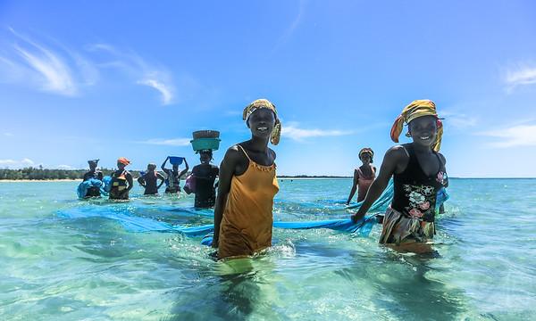 Fisherwomen in Murrubué, Pemba - Mozambique