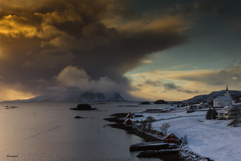 Winter Light Towards Kalvåg/ Vinterlys mot Kalvåg