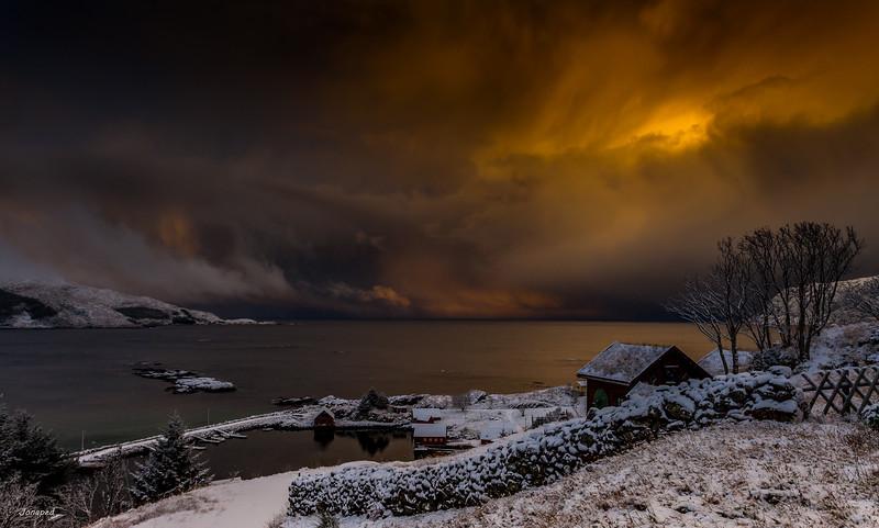 Winter Light at The Coast/Vinterlys ved Kysten