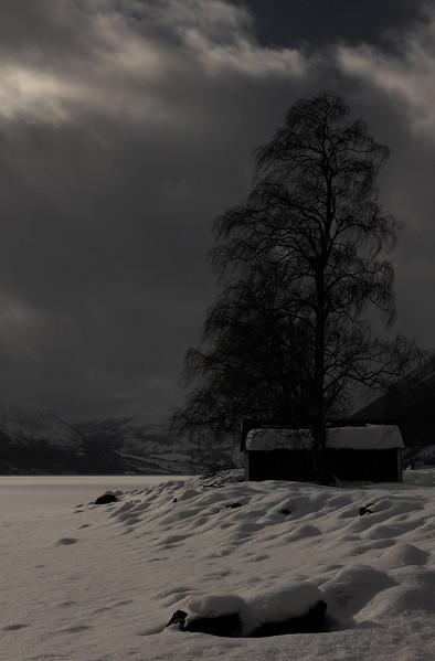 Vinterlys på Jølstravatnet