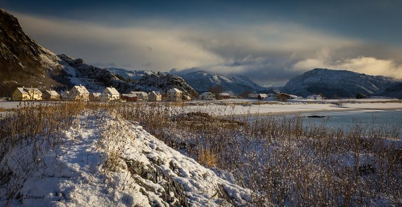 Winter at Grotle on Bremanger/Vinterlys på Grotle