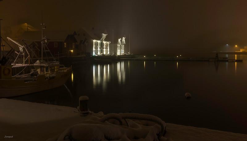 Night Time in Kalvåg,Vinternatt i Kalvåg