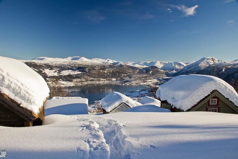 Ravnestad<br /> Winter view from the mountain towards the fjord<br /> Vinter utsikt frå Ravnestadstøylen