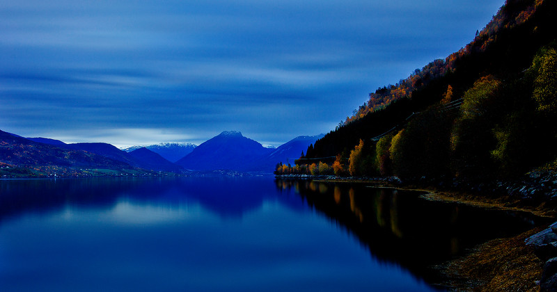 Devik<br /> Fall colors by the fjord<br /> <br /> Haust fargar langs fjorden