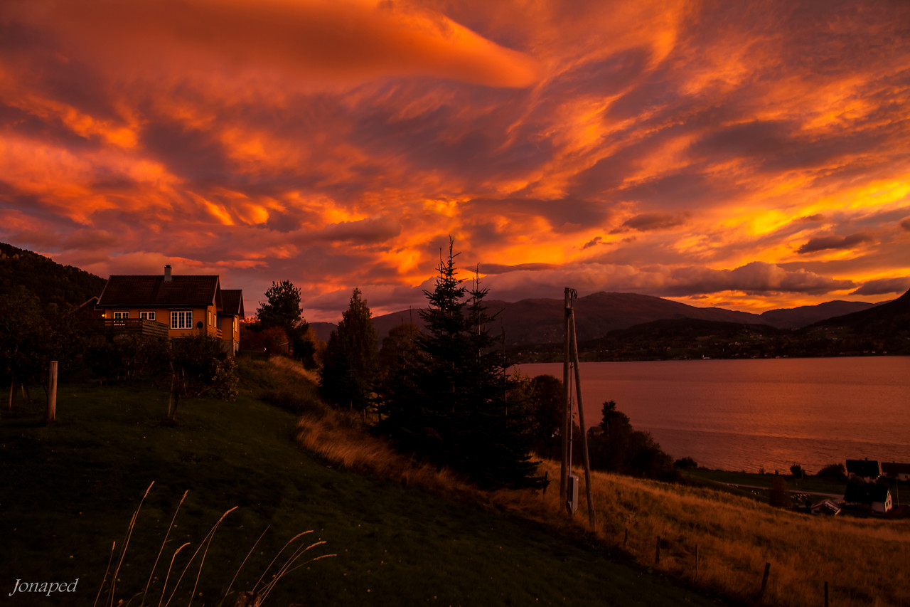 Oktober Morgon i Gloppen/October Morning in the Fjords