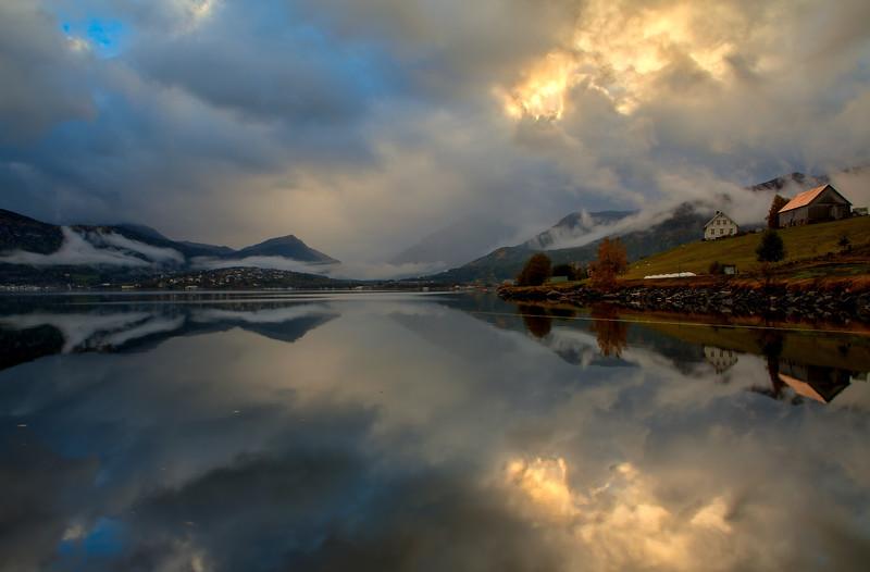 Gloppefjorden<br /> <br /> En grå dag<br /> <br /> A grey day