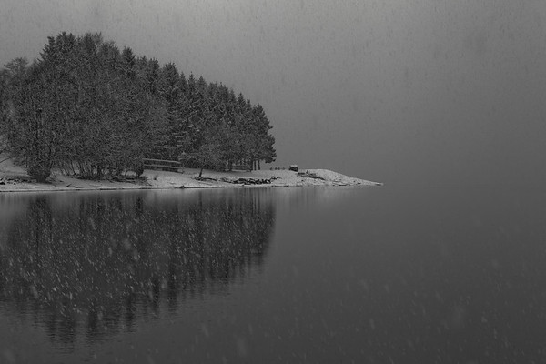 Gloppefjorden<br /> Snow on Sandsneset<br /> Snøveir på Sandsneset