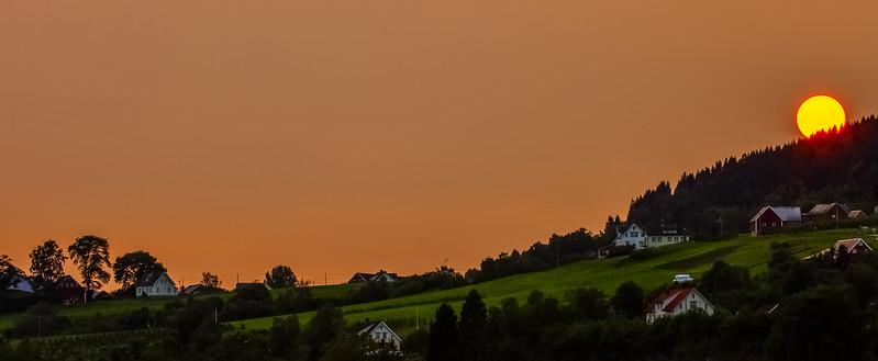 Solnedgang over Hauge/Austrheim