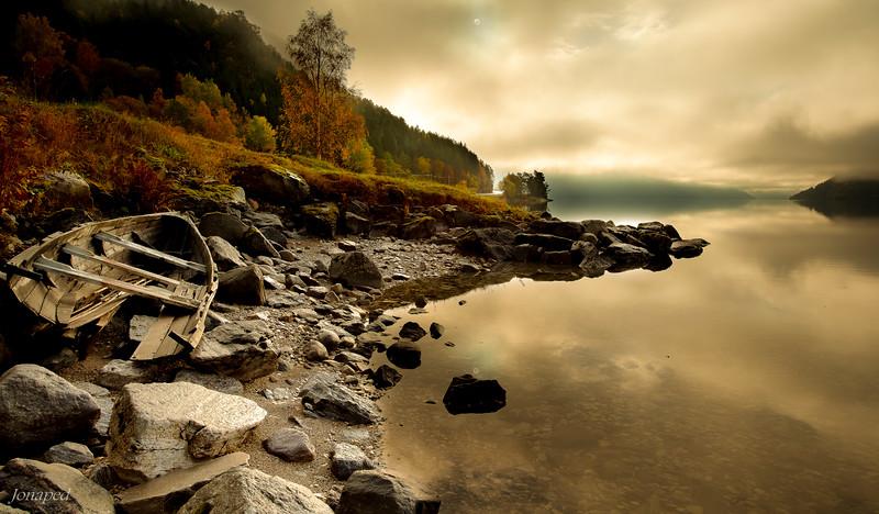 Haust på Sagefloten /Autumn by the Lake